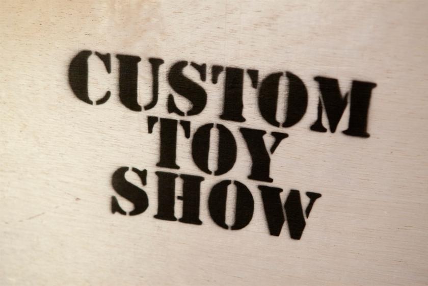 Custom Toy Show 01