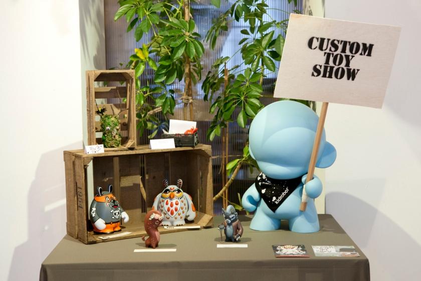 Custom Toy Show 02